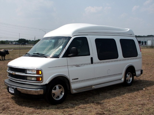 2001 chevrolet express information and photos momentcar. Black Bedroom Furniture Sets. Home Design Ideas
