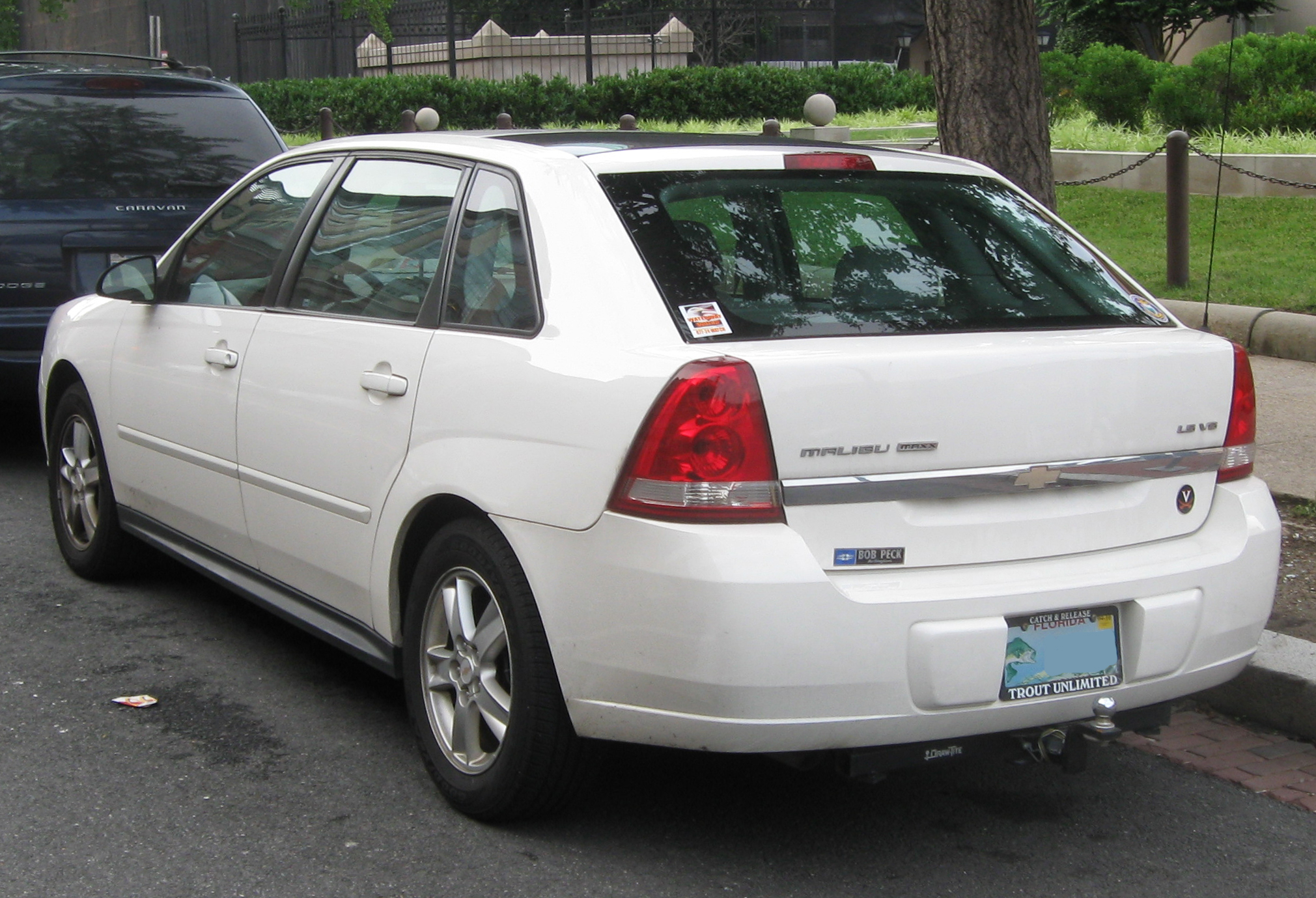 2005 chevrolet malibu maxx information and photos. Black Bedroom Furniture Sets. Home Design Ideas