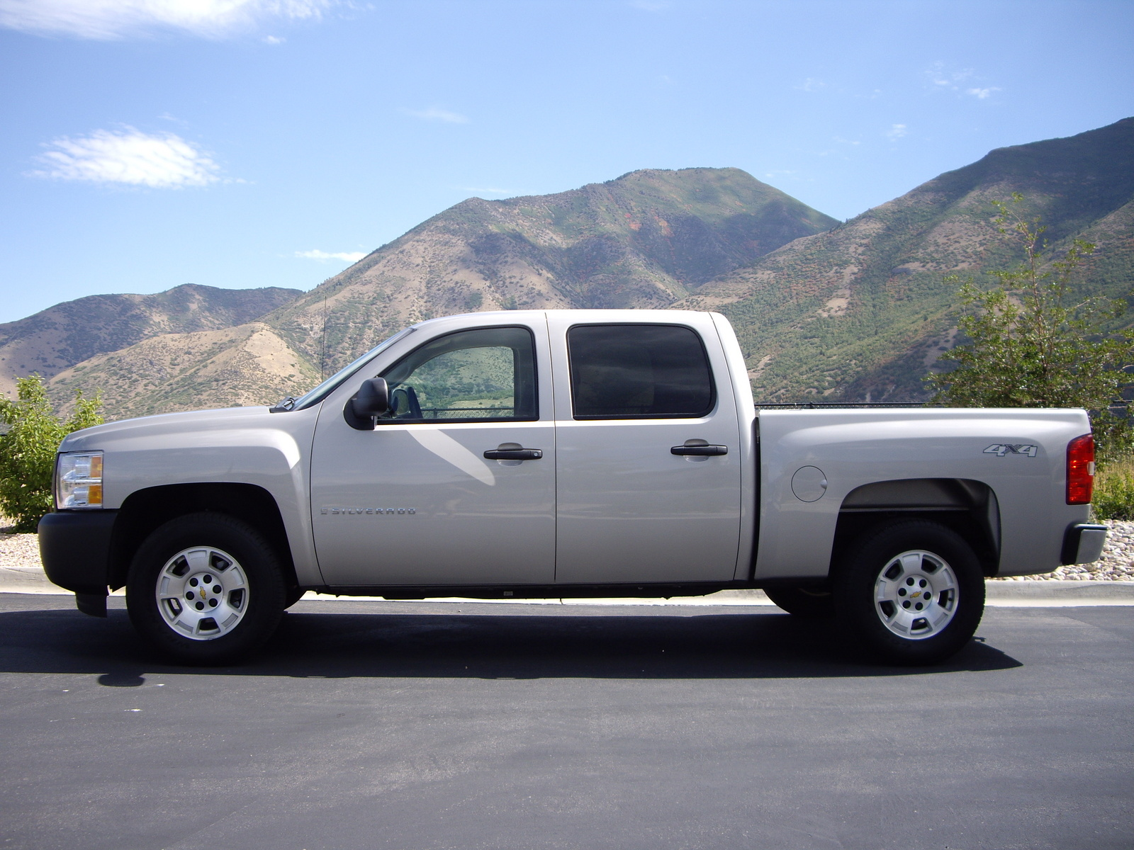 2009 chevrolet silverado 1500 information and photos momentcar. Black Bedroom Furniture Sets. Home Design Ideas