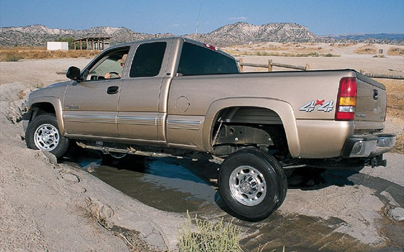 2001 chevrolet silverado 2500hd information and photos. Black Bedroom Furniture Sets. Home Design Ideas