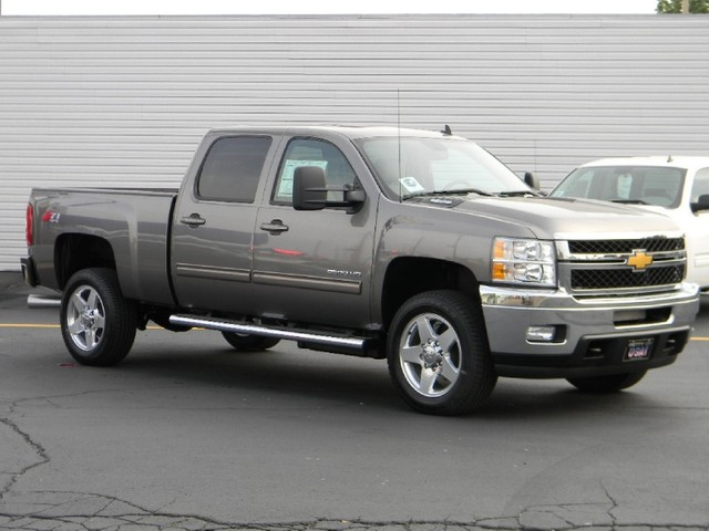 2012 chevrolet silverado 2500hd information and photos momentcar. Black Bedroom Furniture Sets. Home Design Ideas
