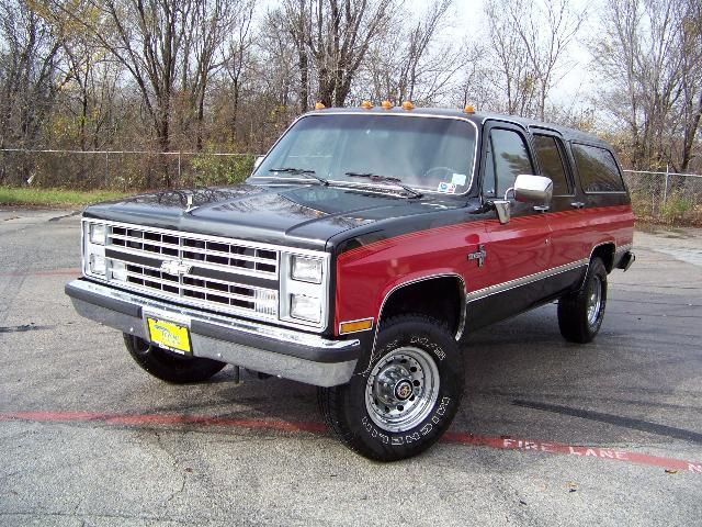Chevrolet Suburban on 1974 gmc truck