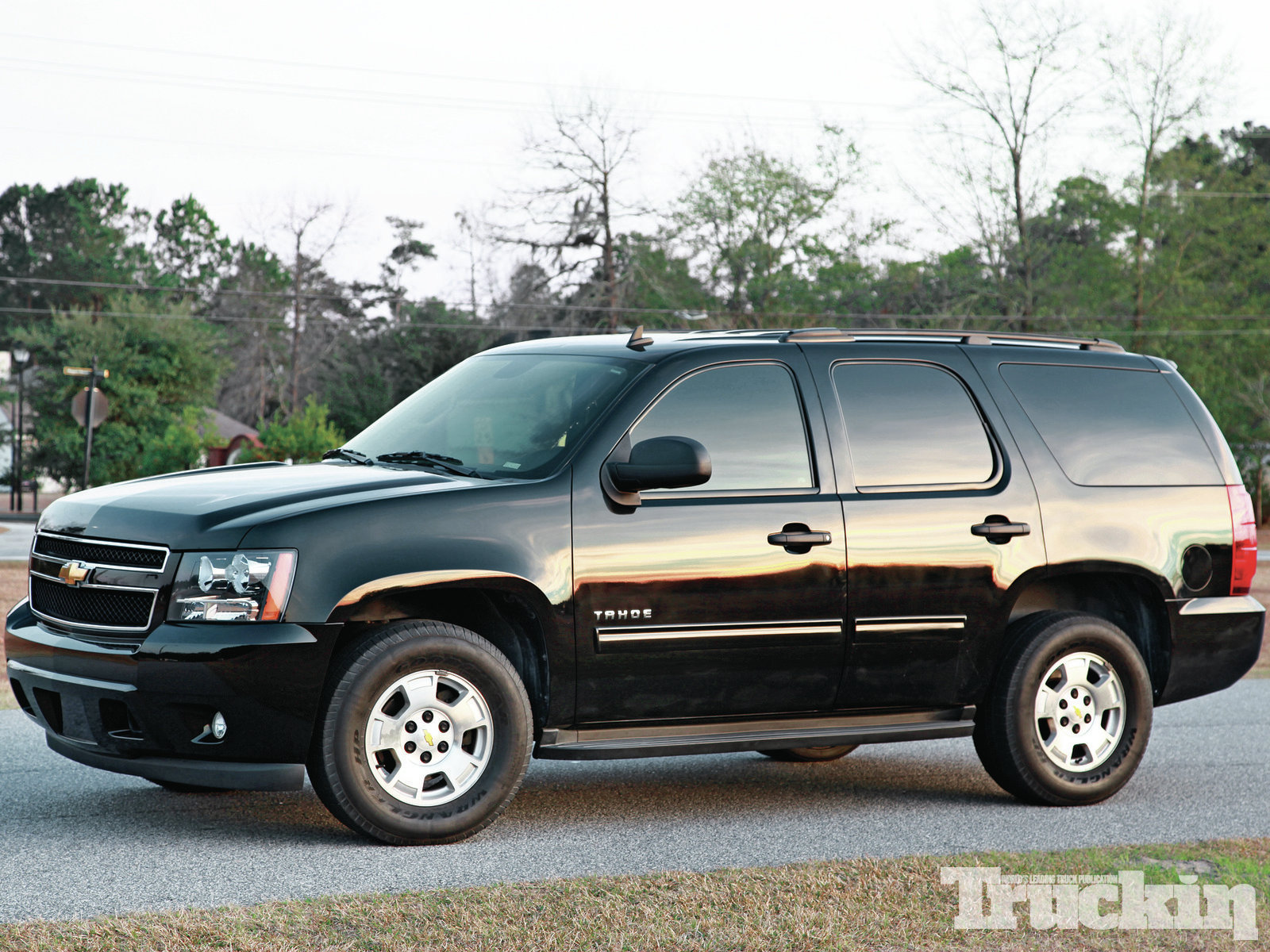 2010 chevrolet tahoe information and photos momentcar. Black Bedroom Furniture Sets. Home Design Ideas