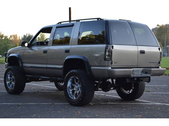 2000 Chevrolet Tahoe LimitedZ71  Information and photos  MOMENTcar
