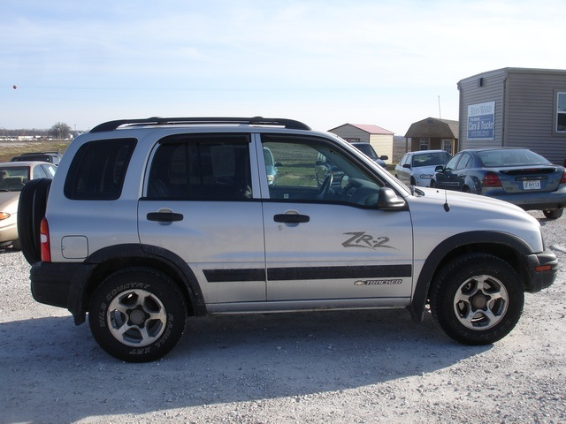 2004 Chevrolet Tracker Information And Photos Momentcar