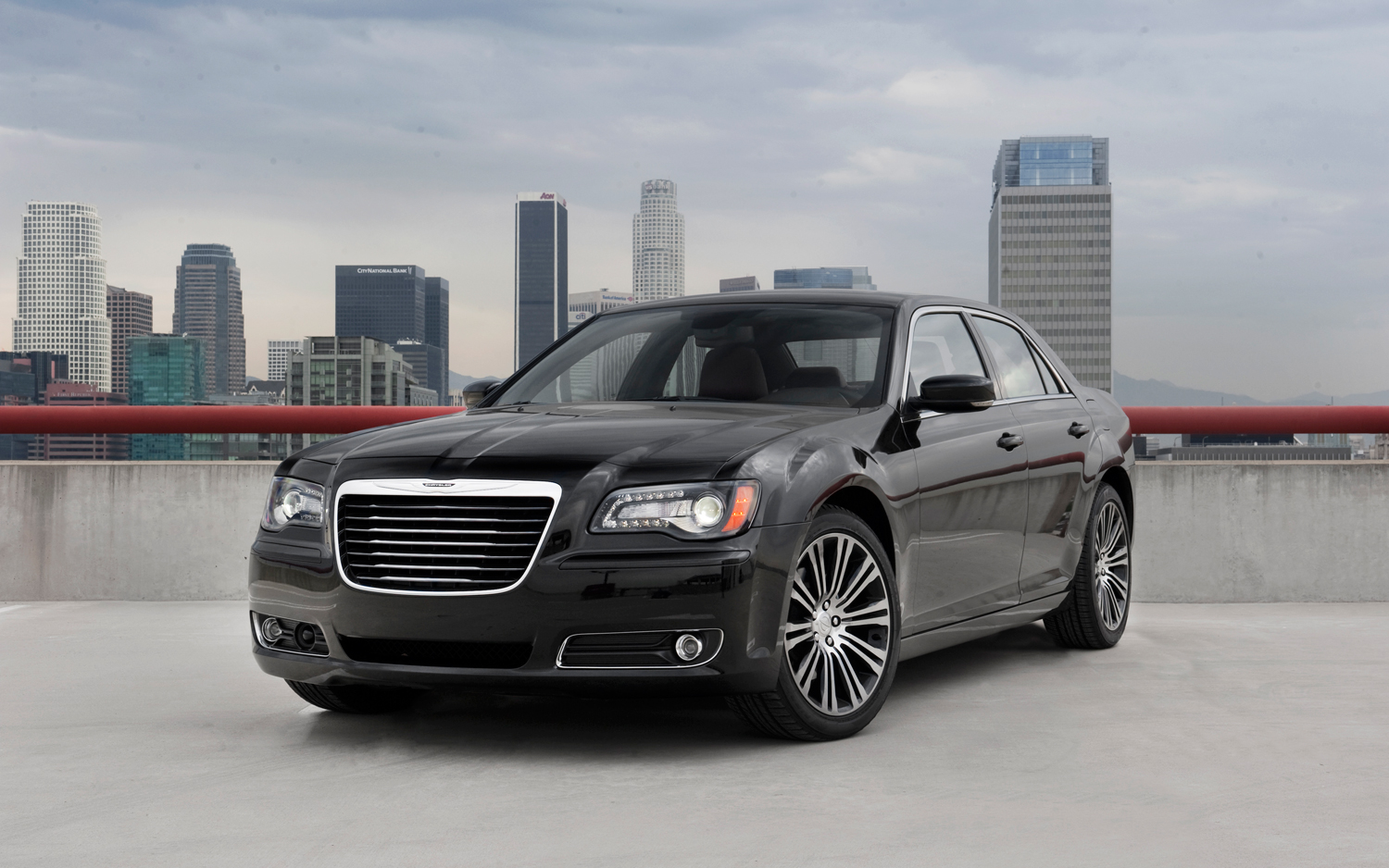 Chrysler 300 S #26