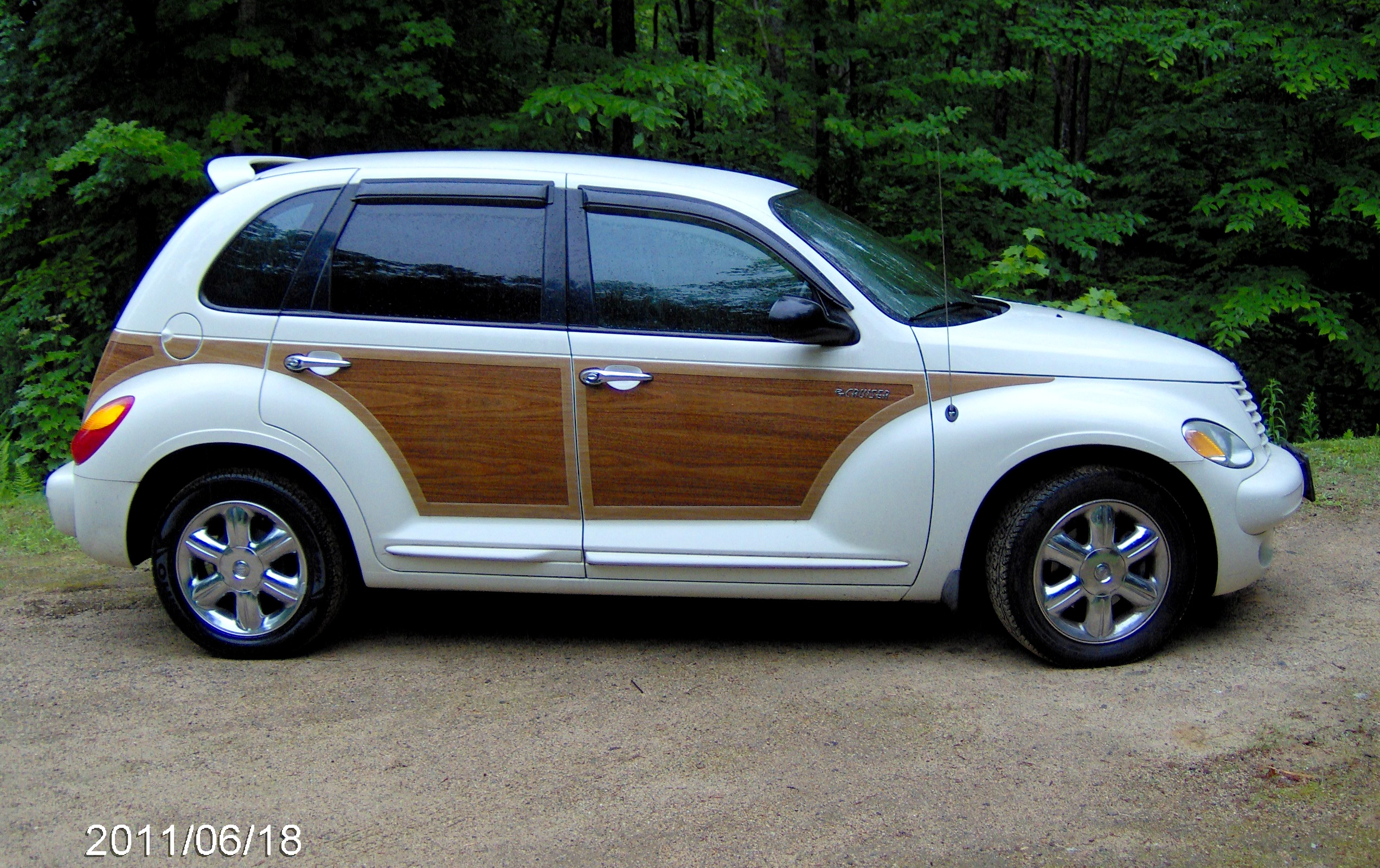 2005 Chrysler Pt Cruiser Information And Photos Momentcar