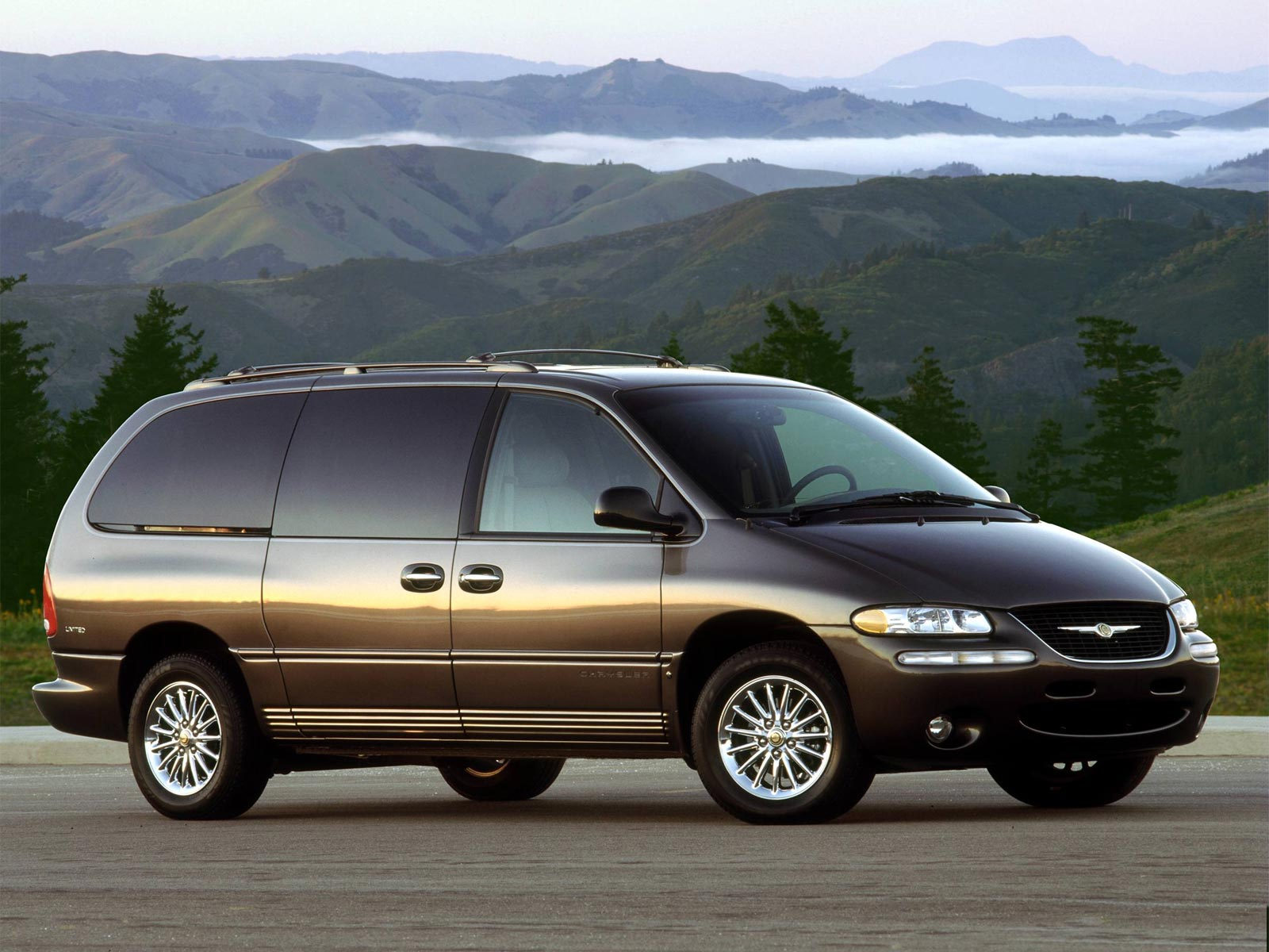 2000 chrysler town and country information and photos momentcar. Black Bedroom Furniture Sets. Home Design Ideas