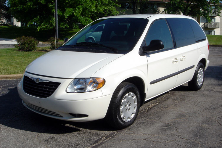 2004 Chrysler Town And Country Information And Photos
