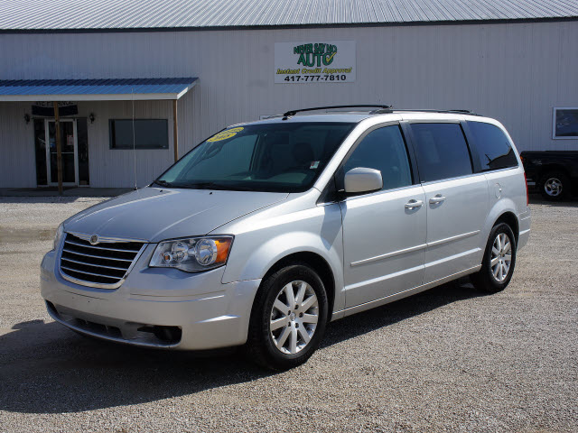 2008 chrysler town and country information and photos momentcar. Black Bedroom Furniture Sets. Home Design Ideas