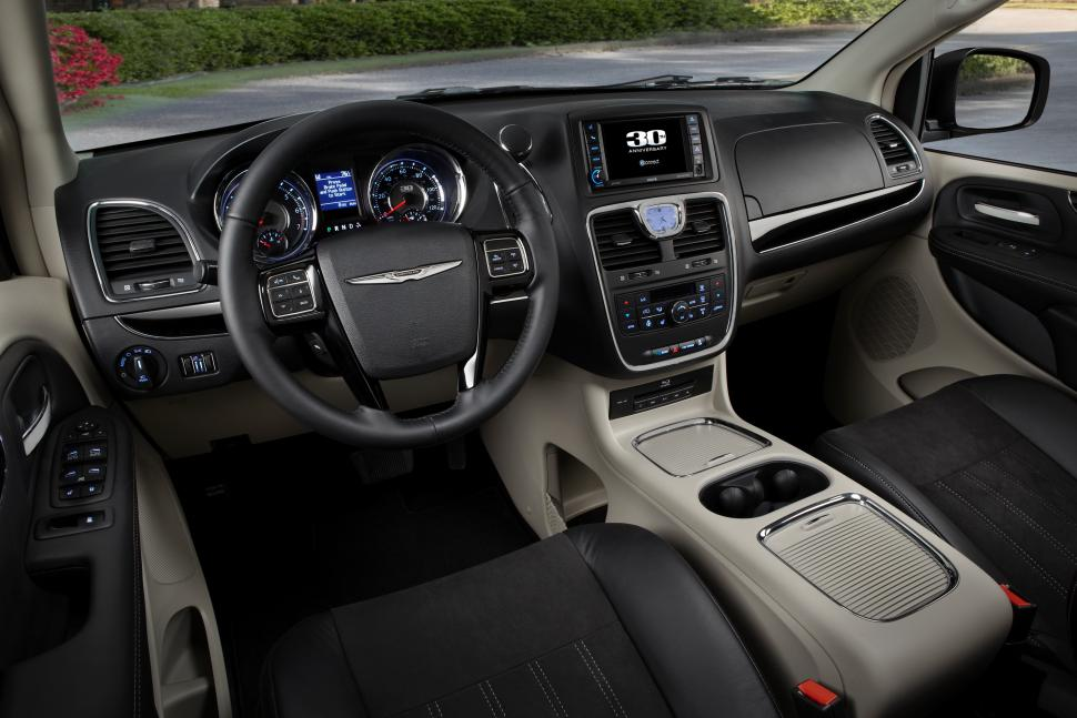 Chrysler Town and Country 2014 #5