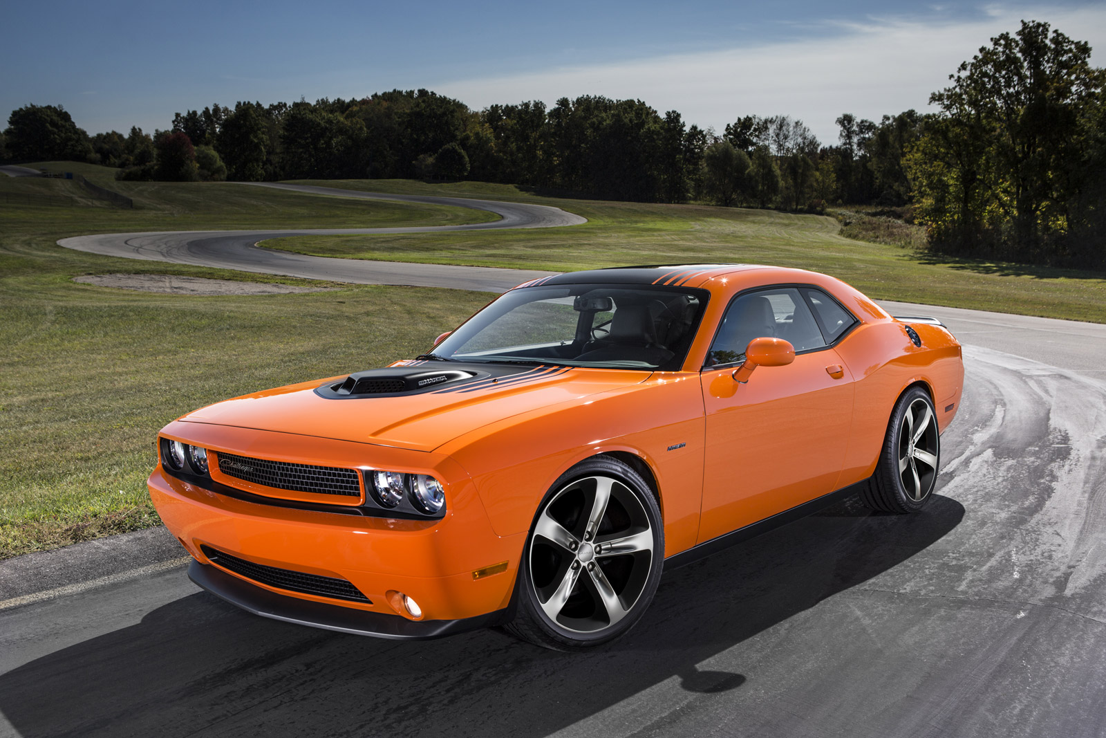 Dodge Challenger Information And Photos Momentcar 2013 Fuse Box 15