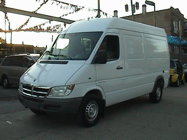 Dodge Sprinter 2500 High Roof 140 WB #2
