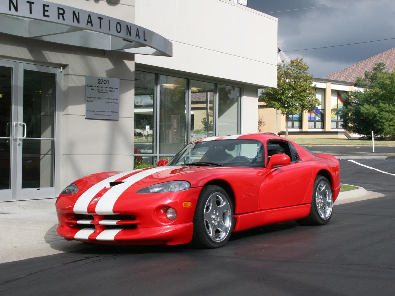 a personal recount of driving dodge viper Dodge viper gtc, 1 of 1 custom-order program debuts [w/video] snakes on a more personal plane: dodge viper gtc, 1 of 1 custom-order program debuts [w/video.