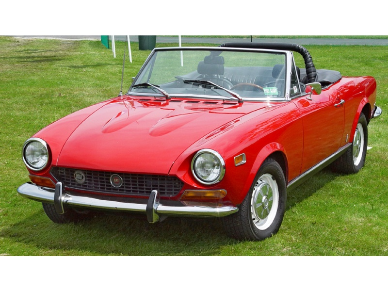 1975 Fiat 124 - Information and photos - MOTcar