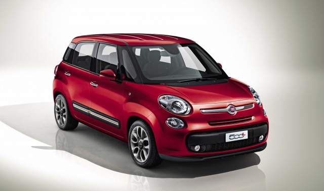 Fiat 2013 500 Hottest Hatchback designed for car enthusiasts #2