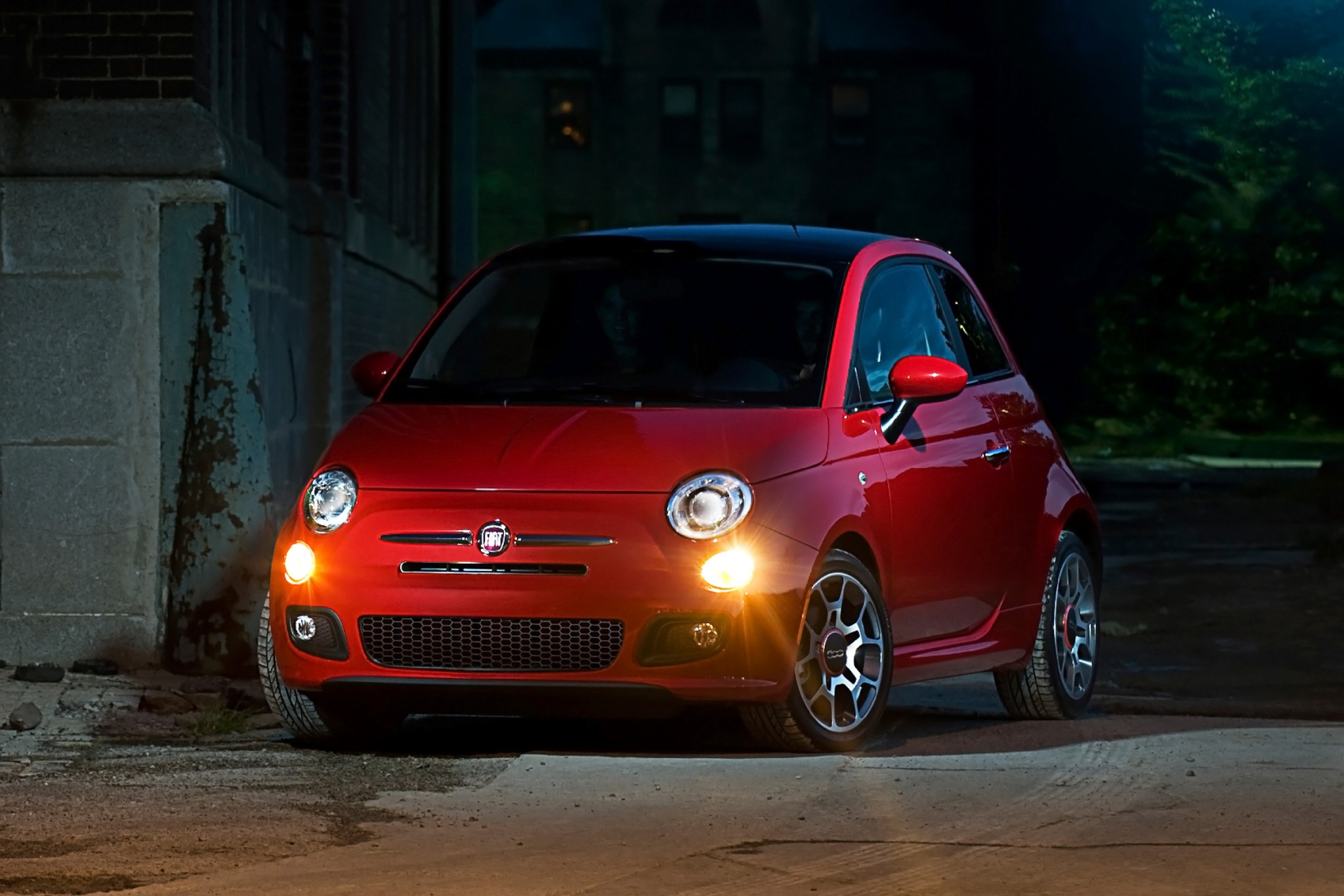 Fiat 2013 500 Hottest Hatchback designed for car enthusiasts #7