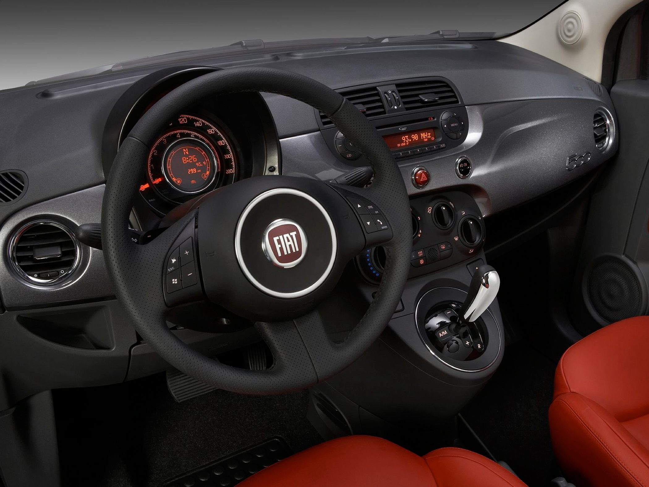 Fiat 2013 500 Hottest Hatchback designed for car enthusiasts #8