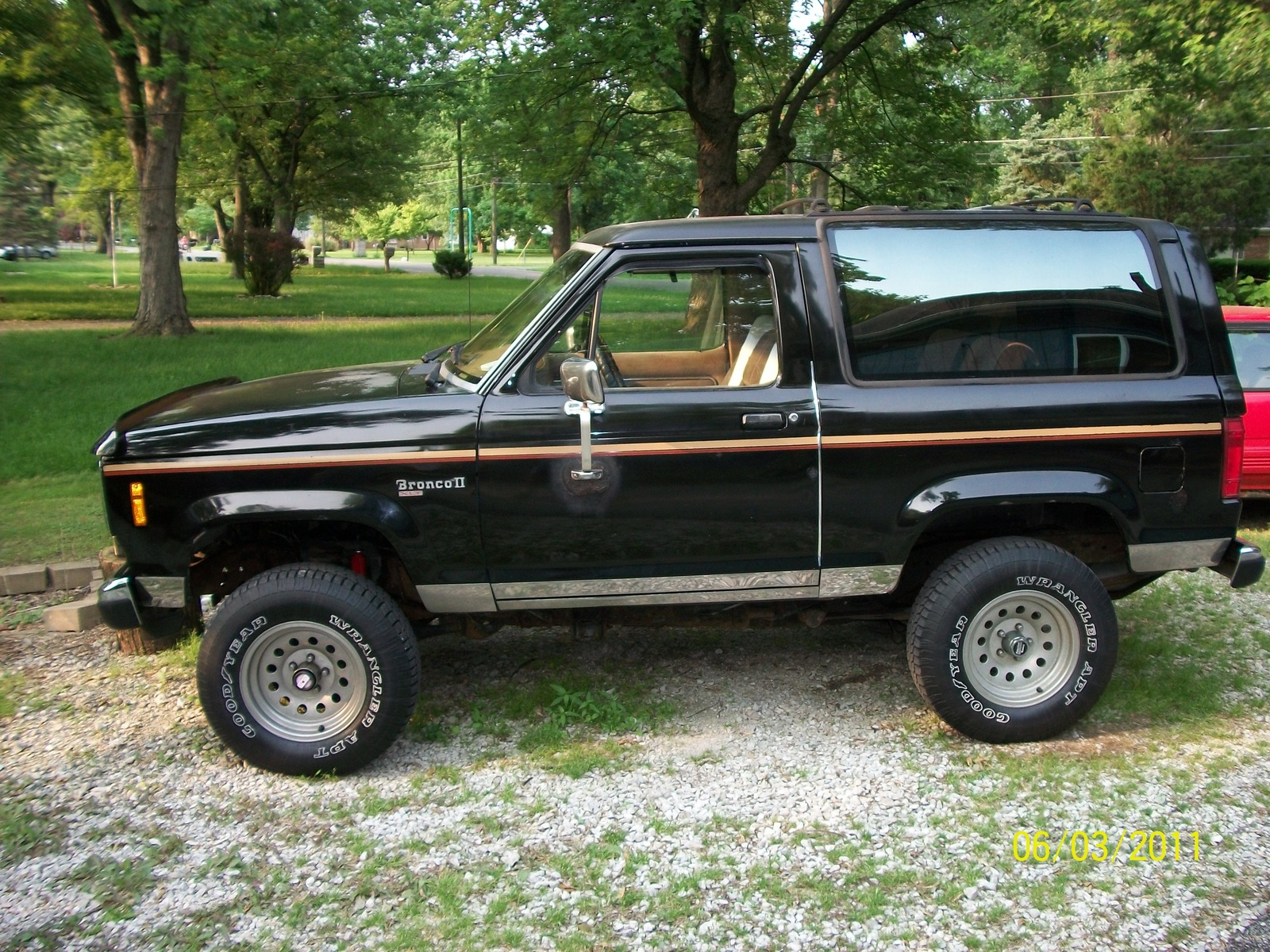 Download Ford Bronco Ii 1984 7