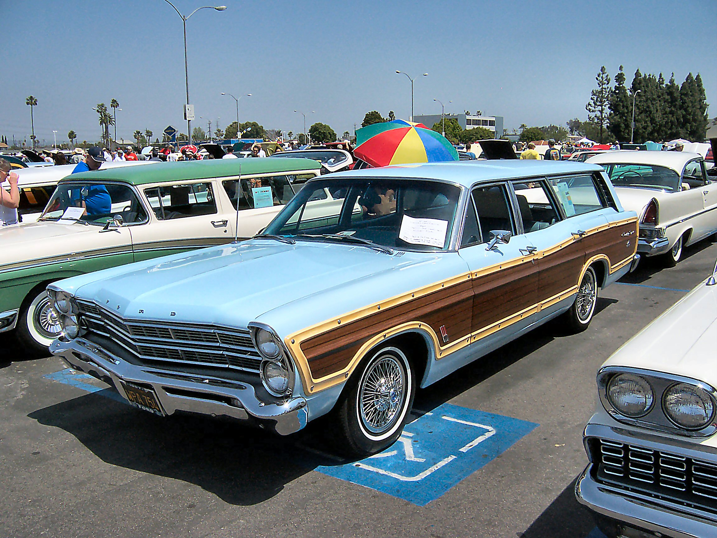 Ford Country Squire #11