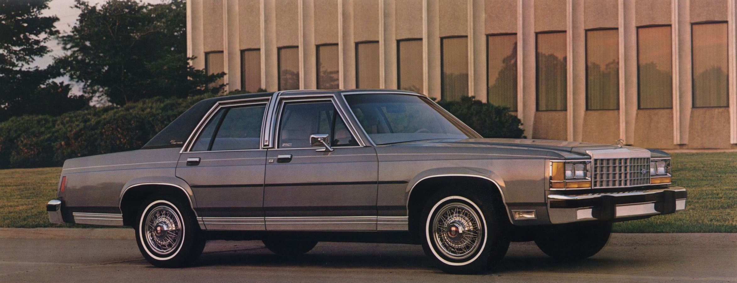 1983 Ford Crown Victoria - Information and photos - MOMENTcar