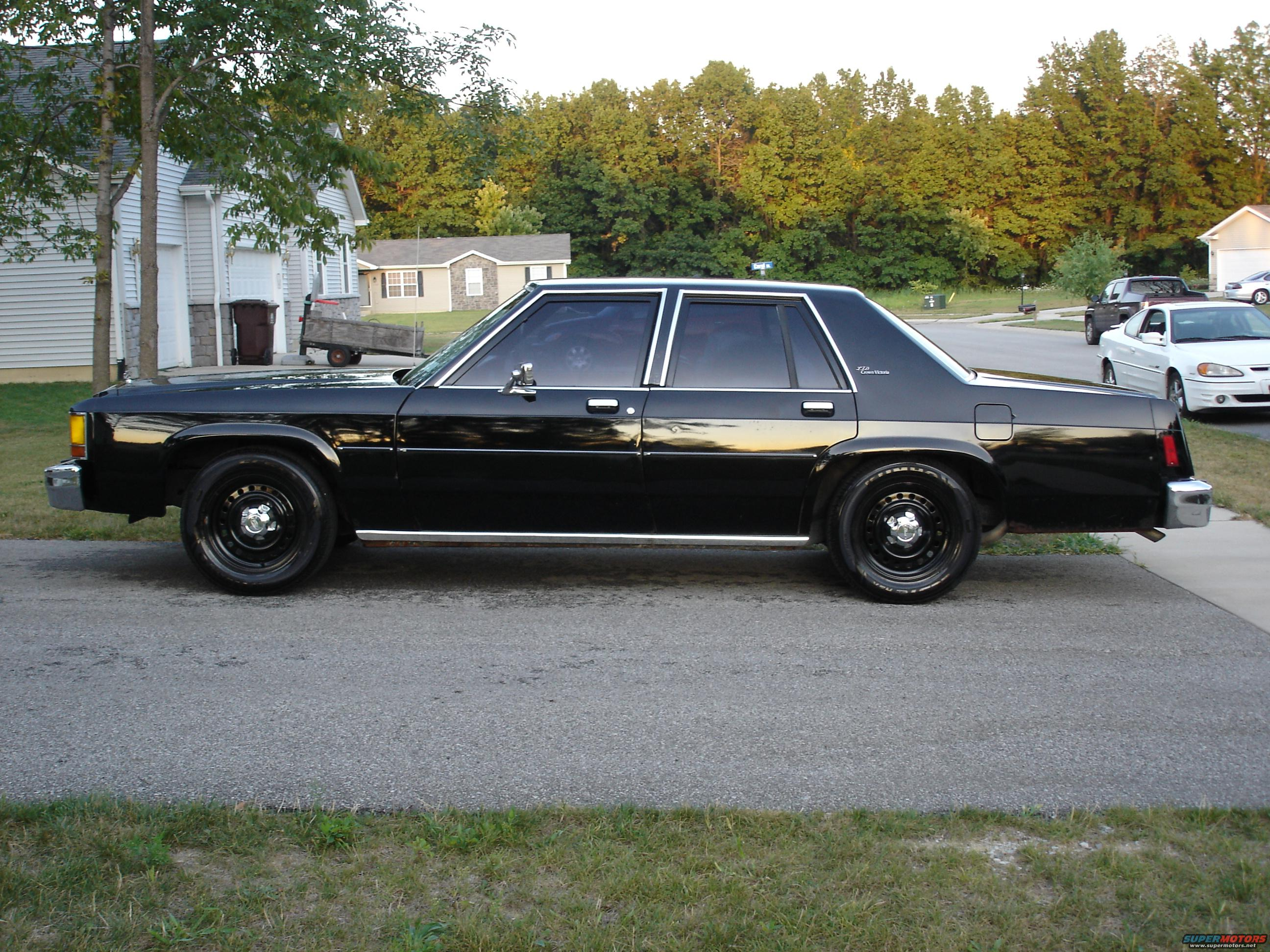 Ford Crown Victoria 781px Image 4
