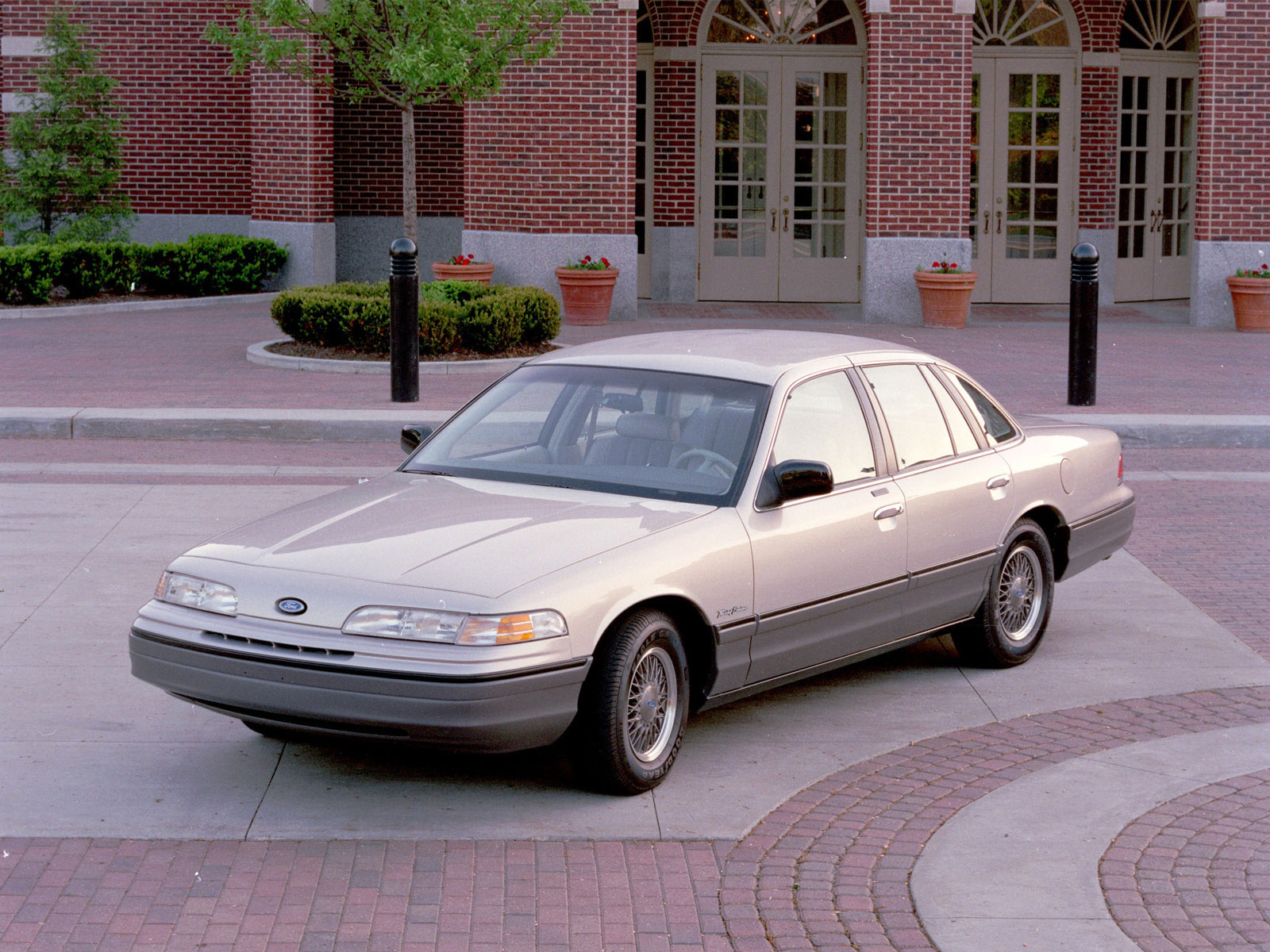 1992 ford crown victoria size 478 kb resolution 1600x1200 type link file src download photo
