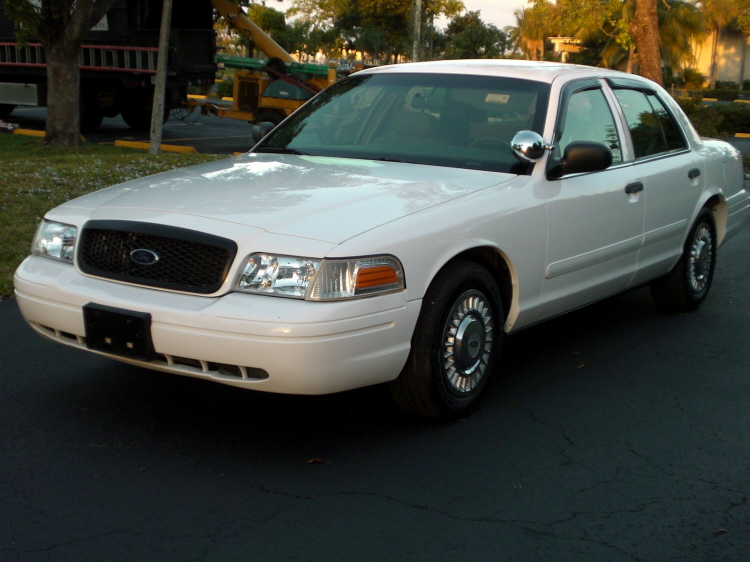2005 ford crown victoria information and photos momentcar. Black Bedroom Furniture Sets. Home Design Ideas