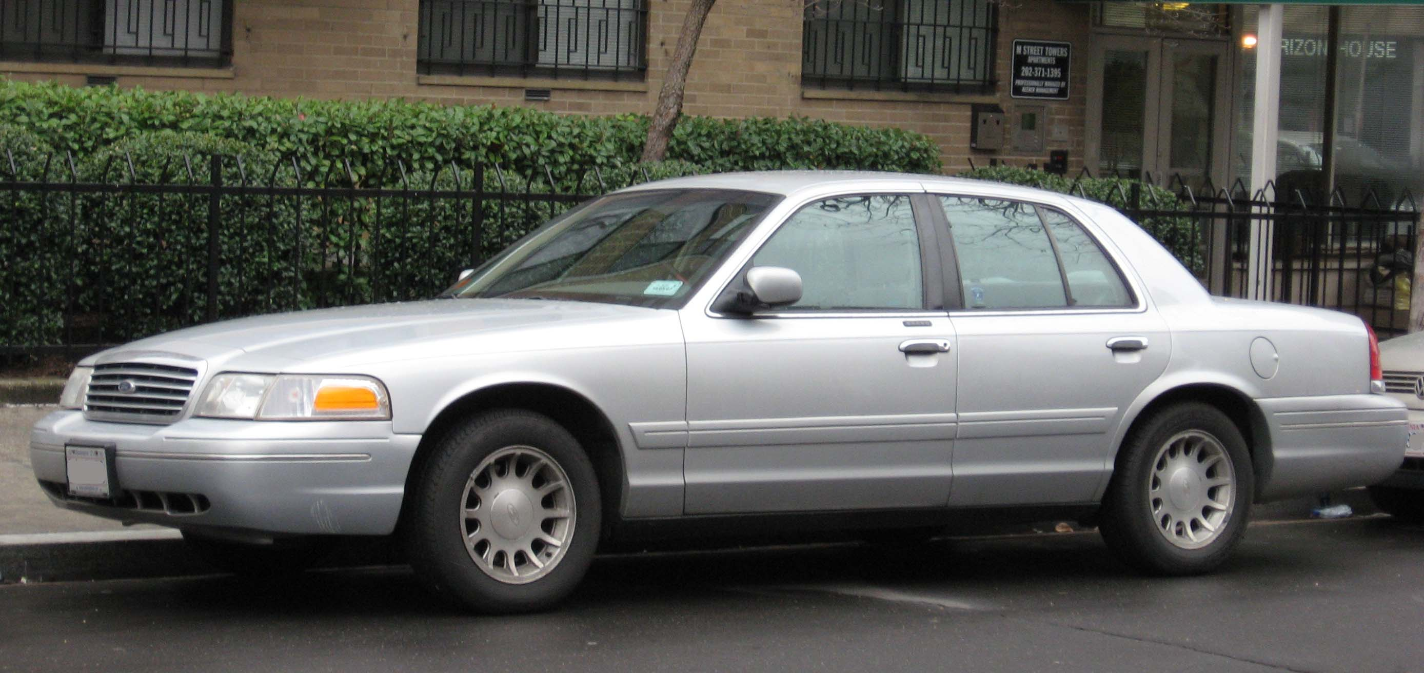 Ford Crown Victoria 2007 #6