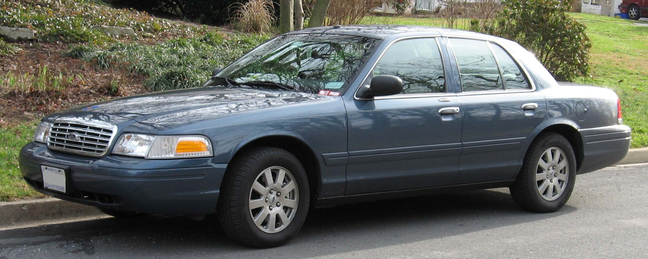 Ford Crown Victoria 2007 #9