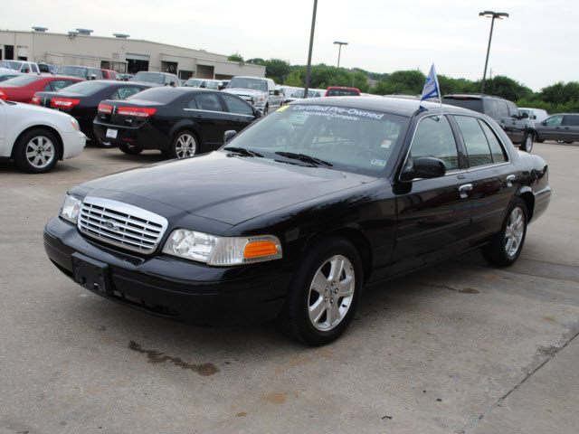 Ford Crown Victoria 2011 #6