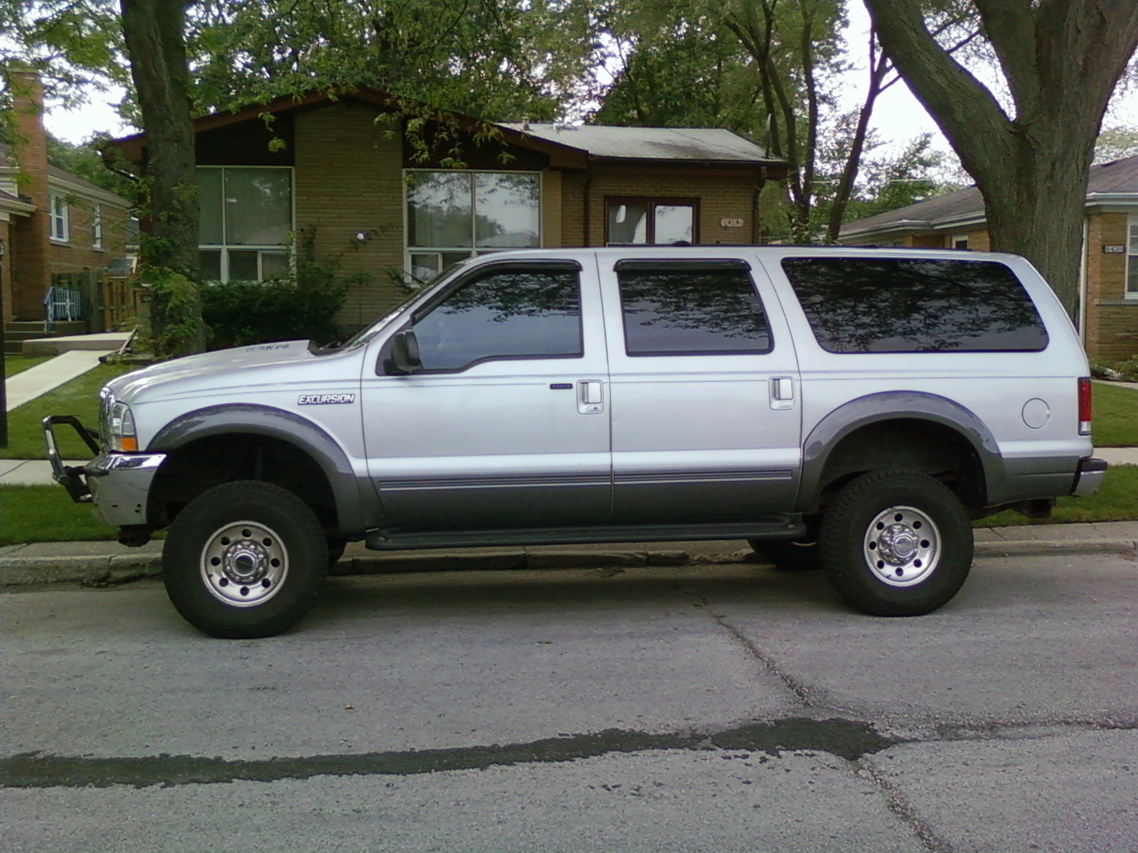 2001 Ford Excursion Information and photos MOMENTcar