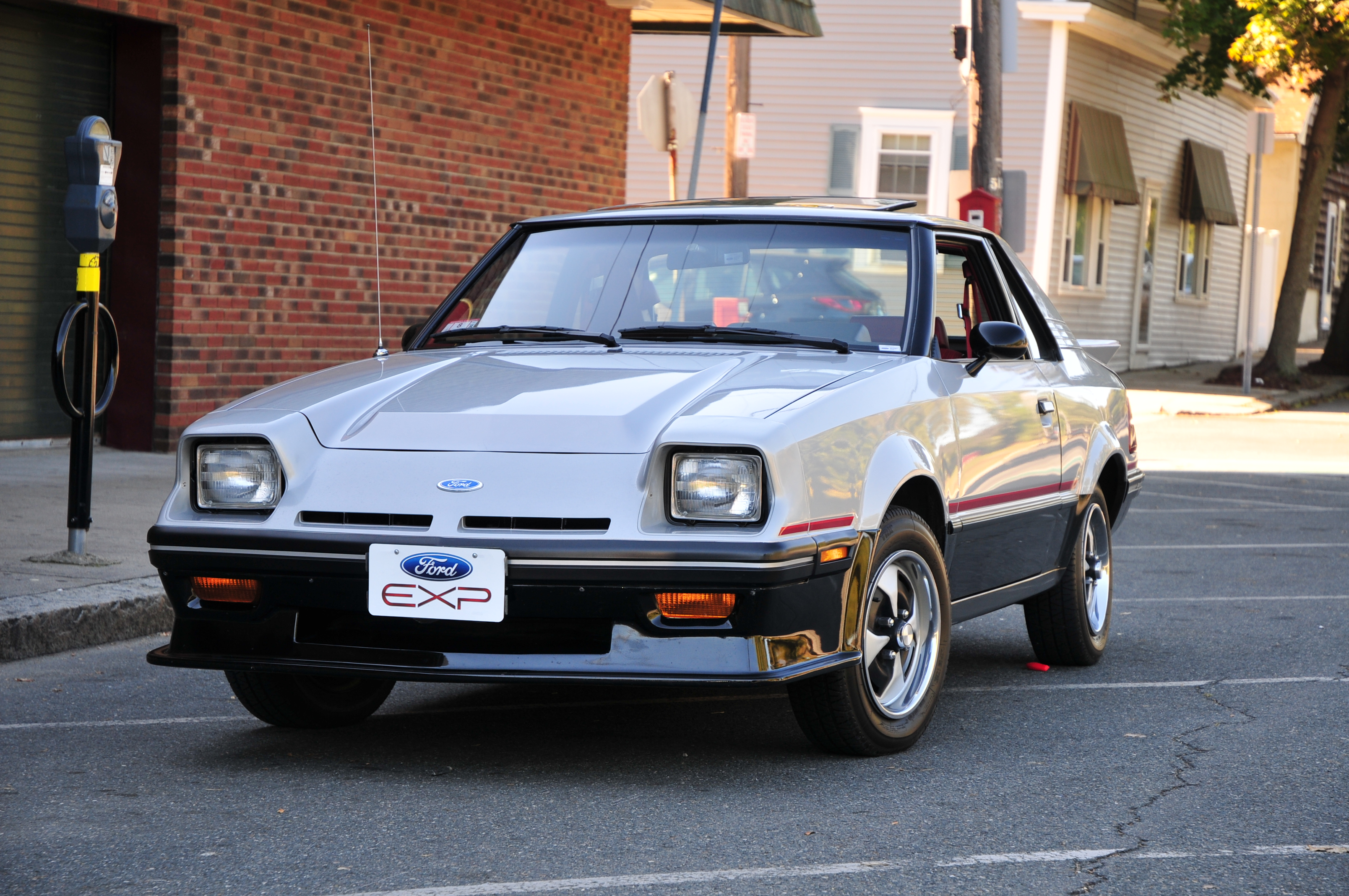 1982 Ford EXP - Information and photos - MOMENTcar
