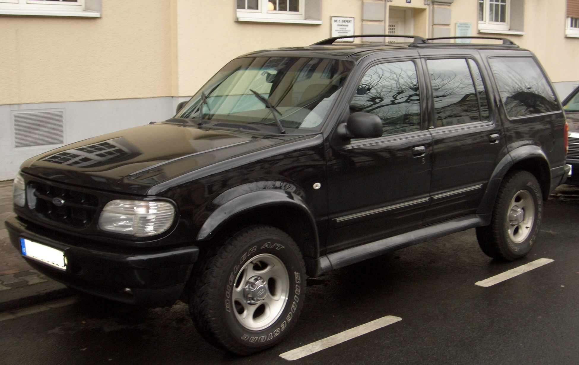 Download ford explorer 2001 2 jpg