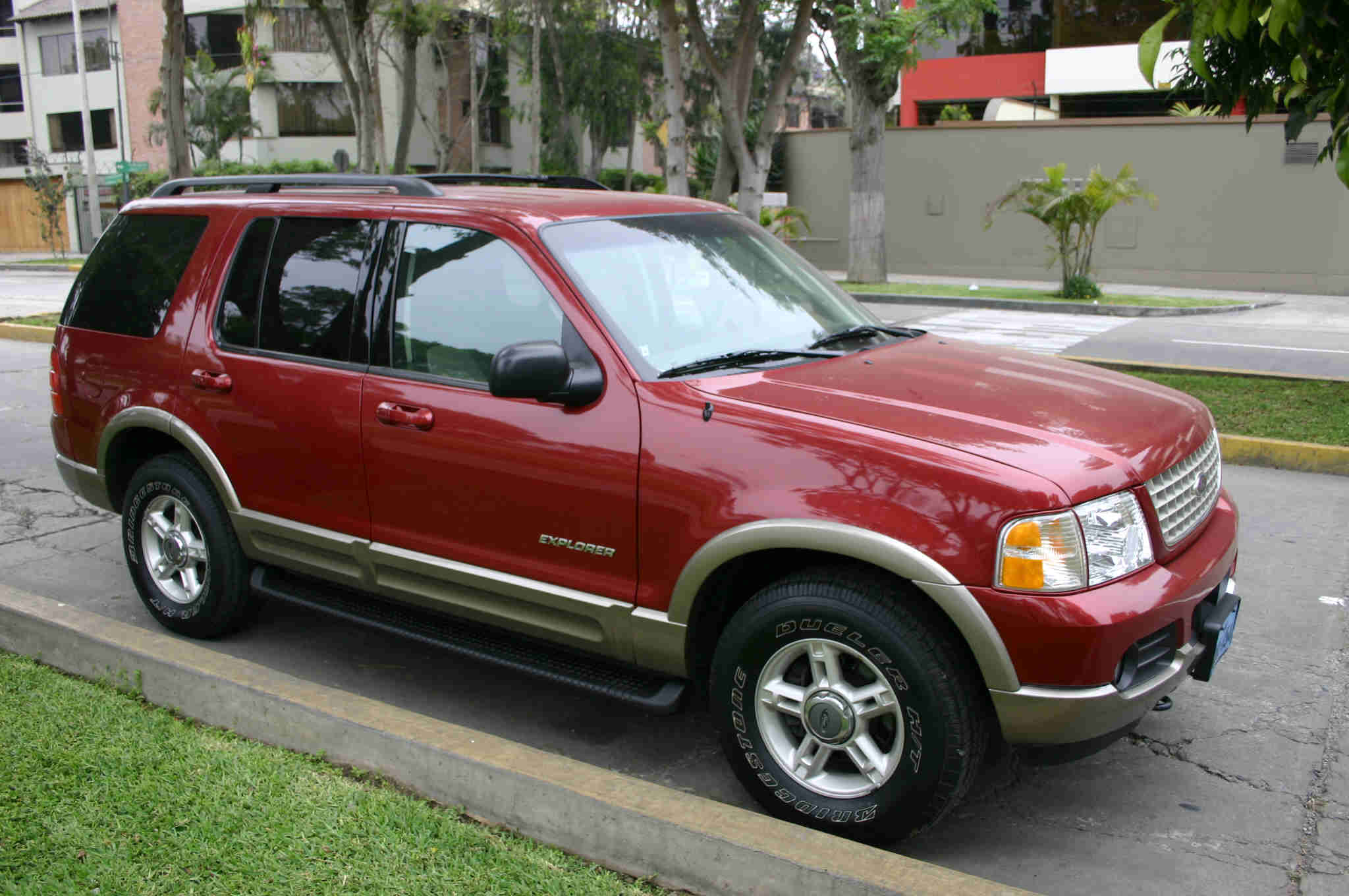 2002 Ford Explorer - Information and photos - MOMENTcar