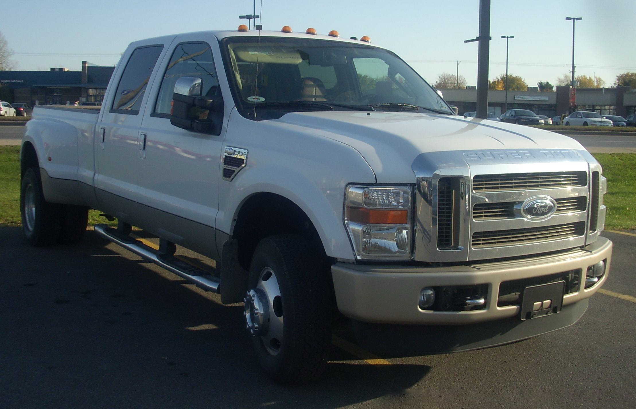 Ford F-350 Super Duty King Ranch #11