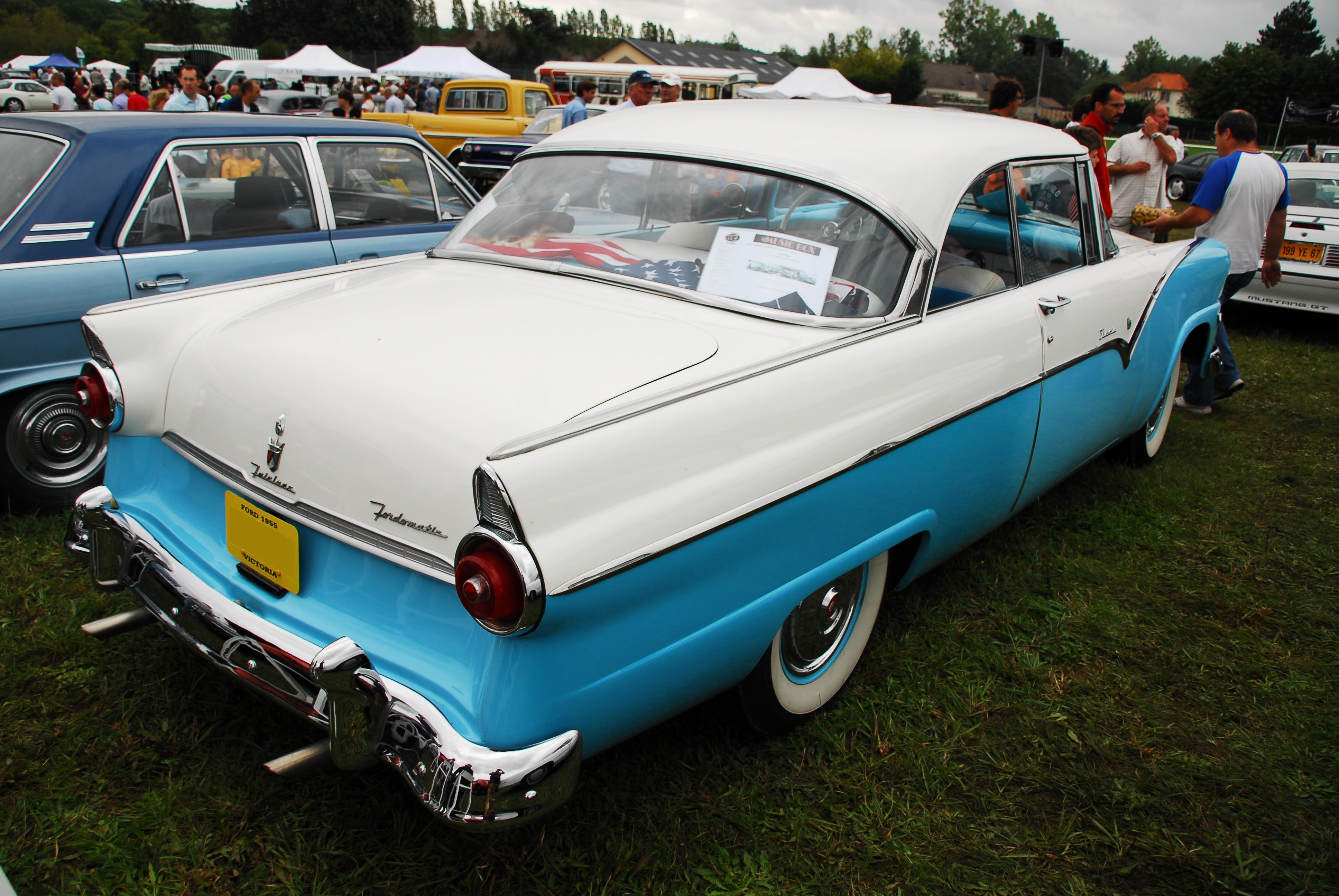 1955 Ford Fairlane  Information and photos  MOMENTcar