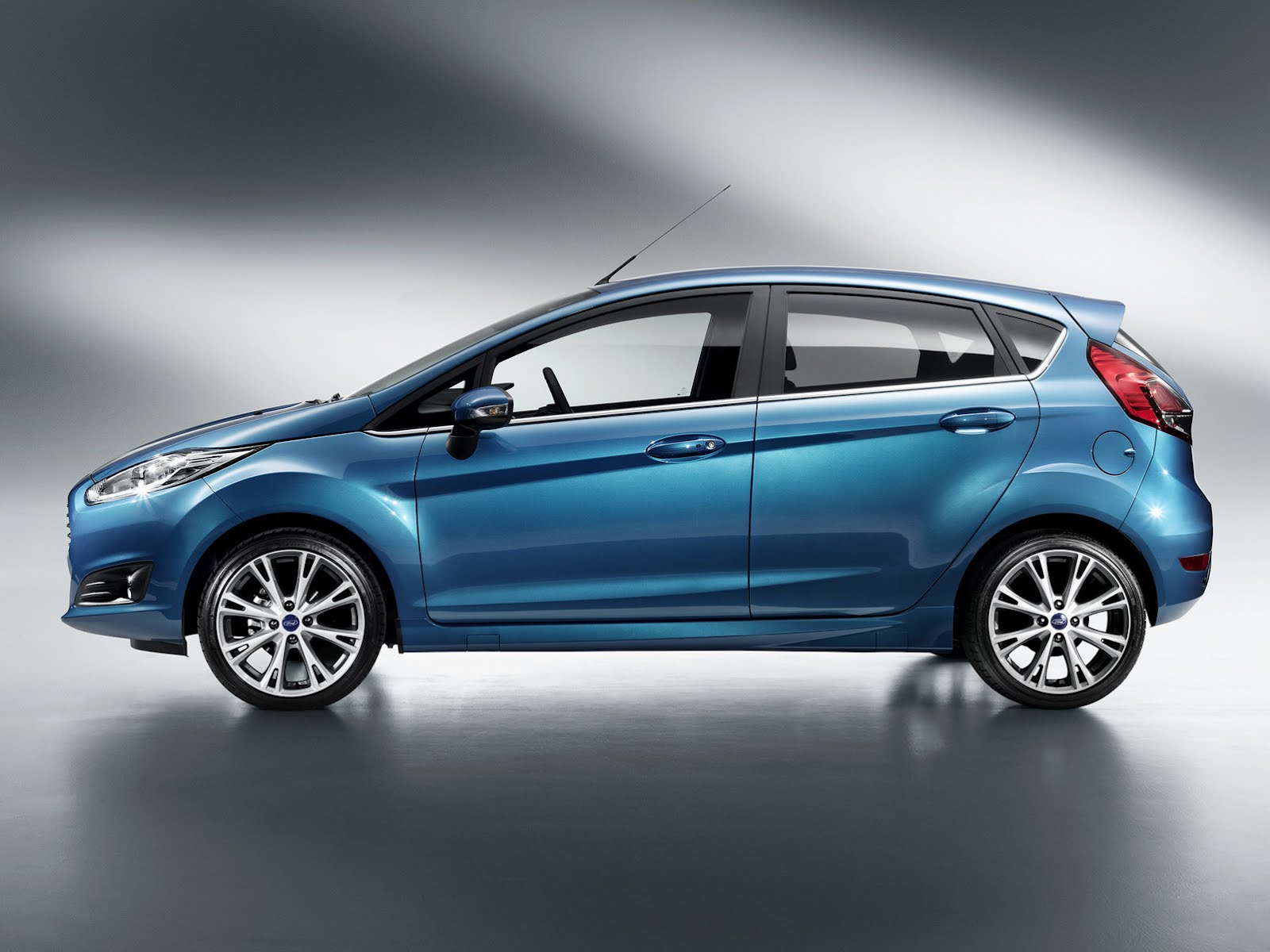 2013 ford fiesta information and photos momentcar. Black Bedroom Furniture Sets. Home Design Ideas
