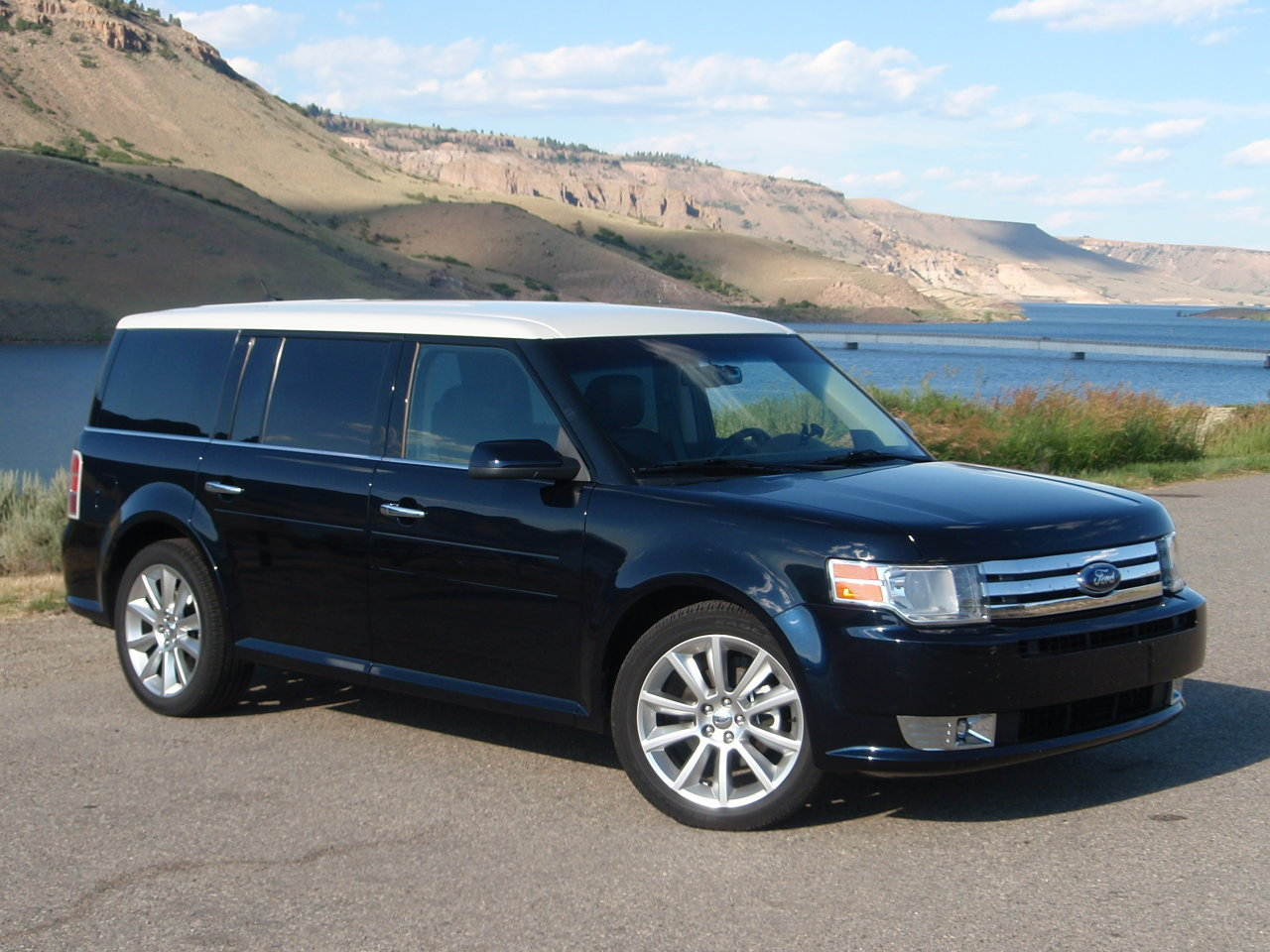 2010 ford flex information and photos momentcar. Black Bedroom Furniture Sets. Home Design Ideas