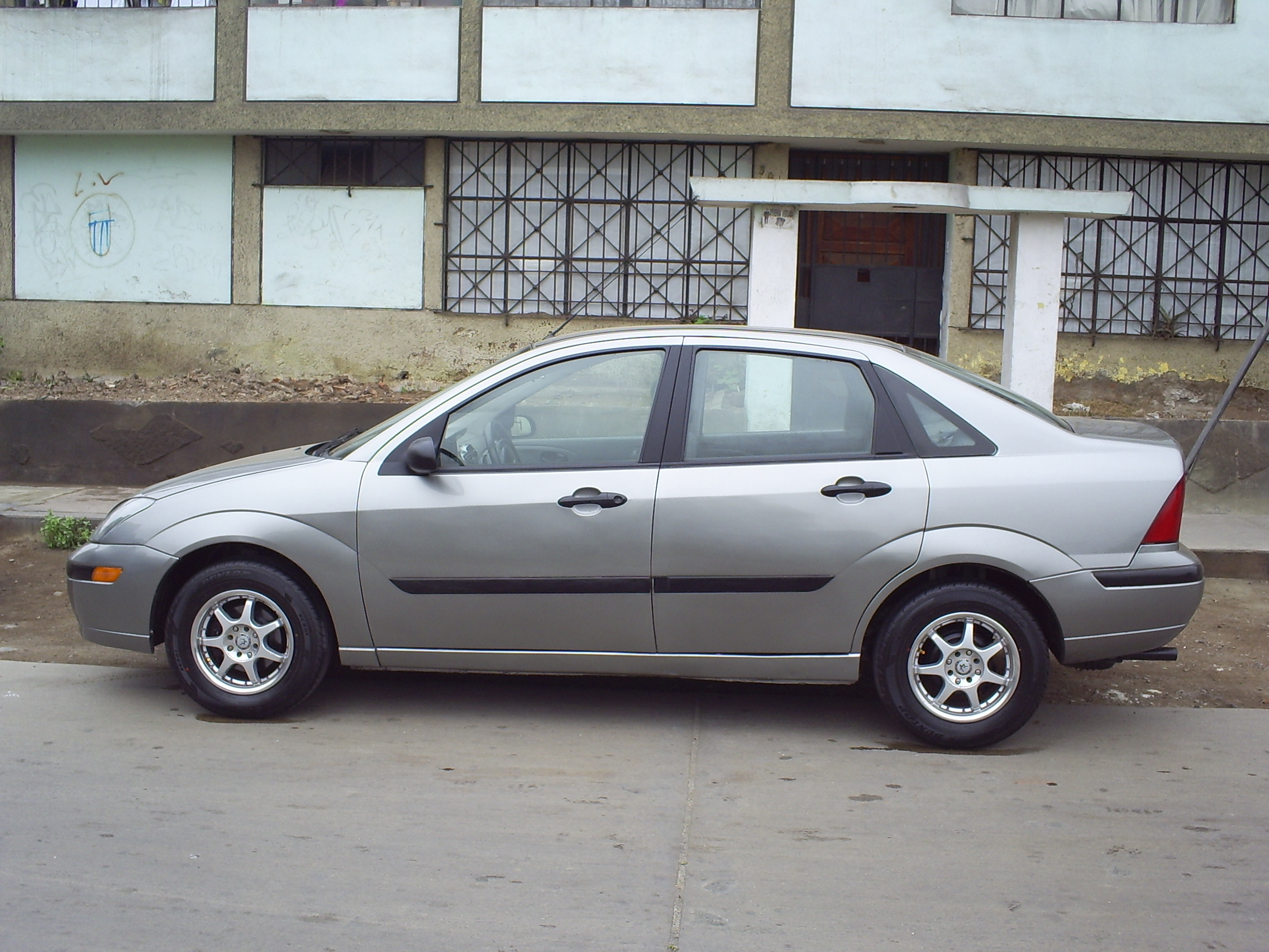 Download ford focus 2004 6 jpg