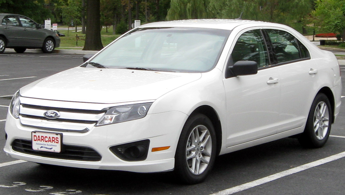 Ford Fusion S #4 Ford Fusion S #4