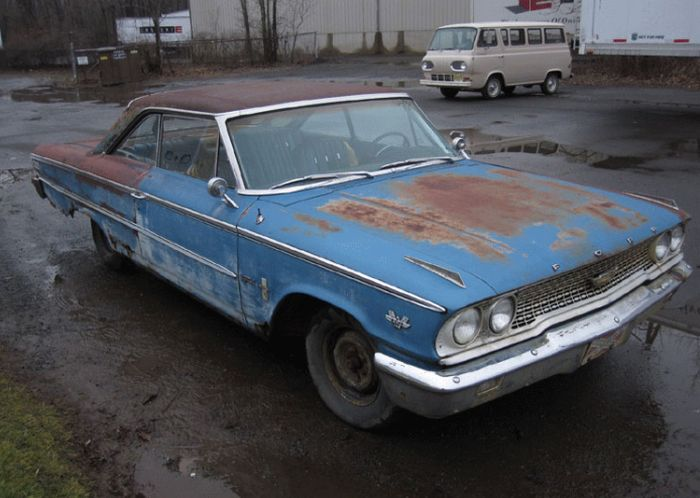 Ford Galaxie Special #11