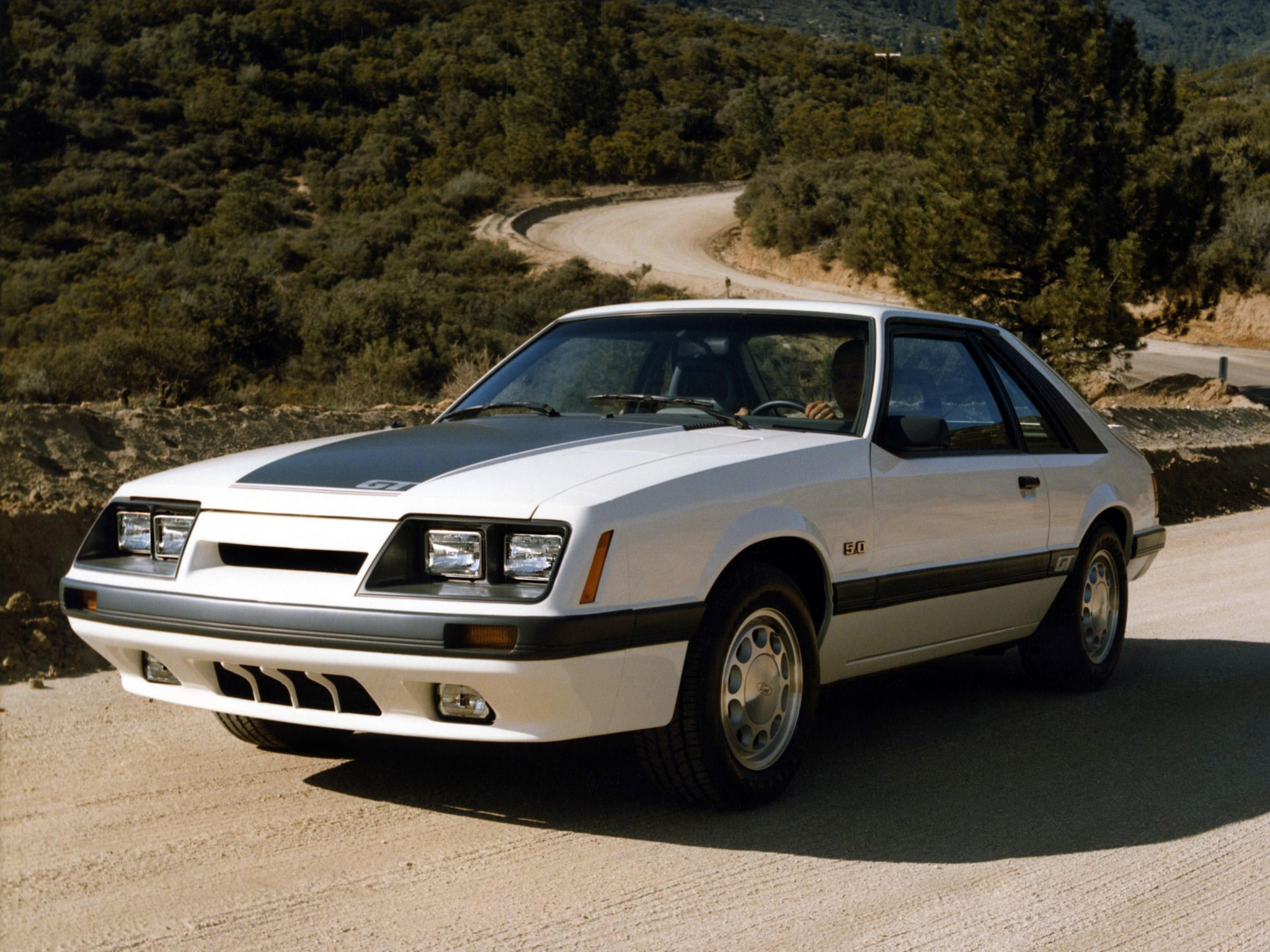 Ford mustang 1985 9