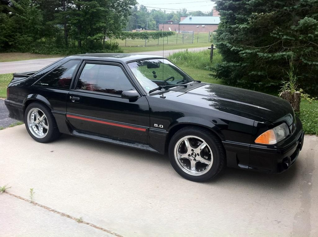 Ford Mustang 145px Image 12