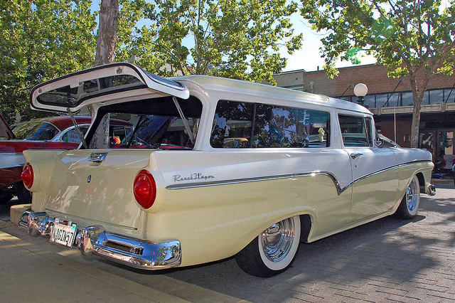 1957 Ford Ranch - Information and photos - MOMENTcar