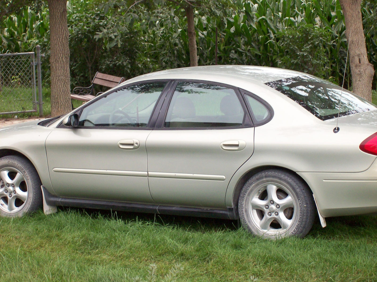 Download ford taurus 2003 7 jpg