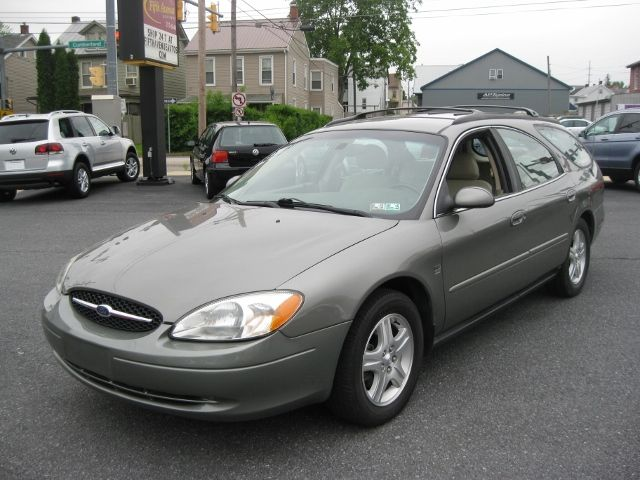 Ford Taurus SEL Deluxe #33