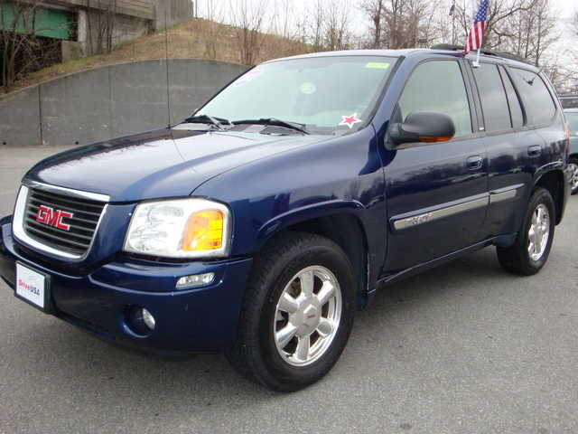 2003 gmc envoy information and photos momentcar. Black Bedroom Furniture Sets. Home Design Ideas