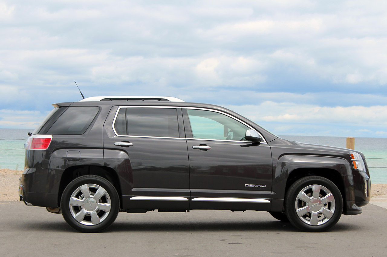 2013 gmc terrain information and photos momentcar. Black Bedroom Furniture Sets. Home Design Ideas