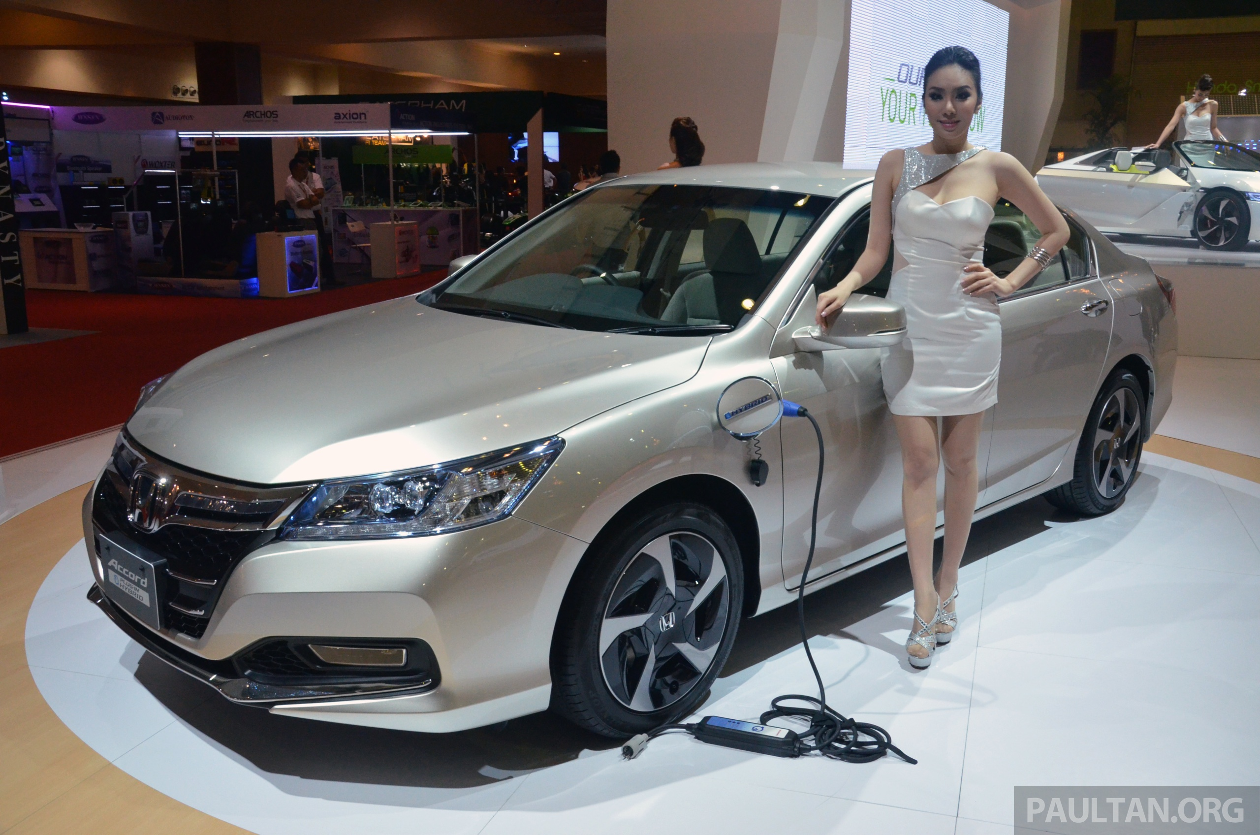 Honda Accord Plug-In Hybrid - Information and photos ...